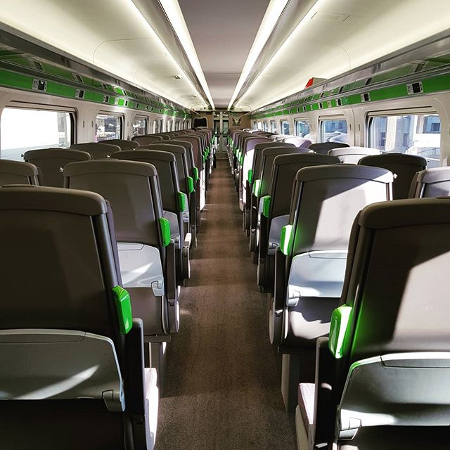 Am impressed with the new #GWR trains - combining modern sleek lines with comfort that genuinely feels like it's been recycled from Brunel's work. #arsehasgonetosleepalreadyandweveonlyreachedchippenham