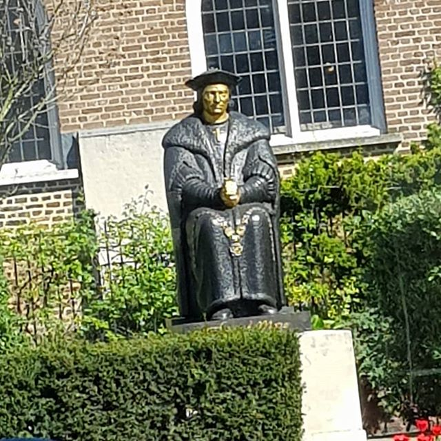 Jesus, I never knew Sir Thomas More was such a fiend on the ol' bronzing lotion.