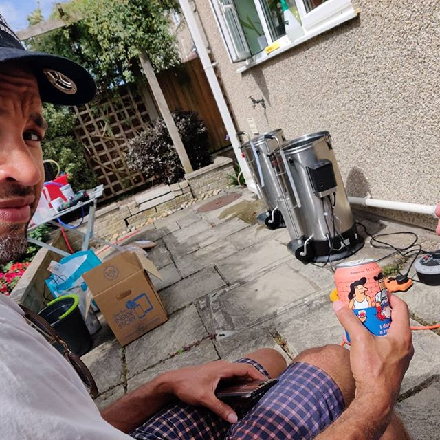 Doing a spot of outdoor parallel Brewing with Mr Bryers. We've borrowed @brew.code 's kit so we can make more mistakes, faster. This is more exciting than the time @littlebangbrewing brought a second disk drive over to plug into the Commodore 64. #needforspeed #perfectlysanitaryconditions #britishdayofsummer